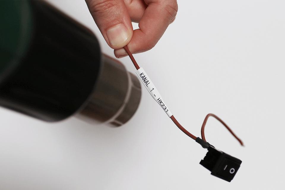 Originele Brother HSE-221 krimpkous tapecassette - zwart op wit, voor 2,6 - 5,1 mm diameter 4