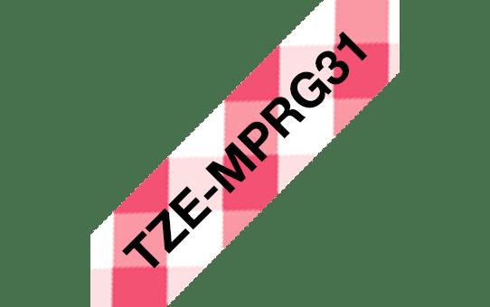 Originele Brother TZe-MPRG31 labeltape – zwart op rode ruit, breedte 12 mm