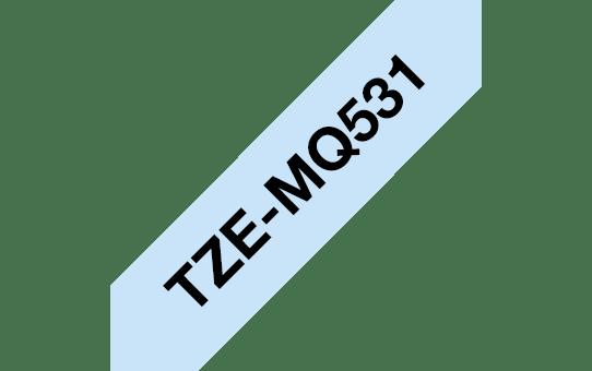 Originele Brother TZe-MQ531 tapecassette – zwart op pastelblauw, breedte 12 mm