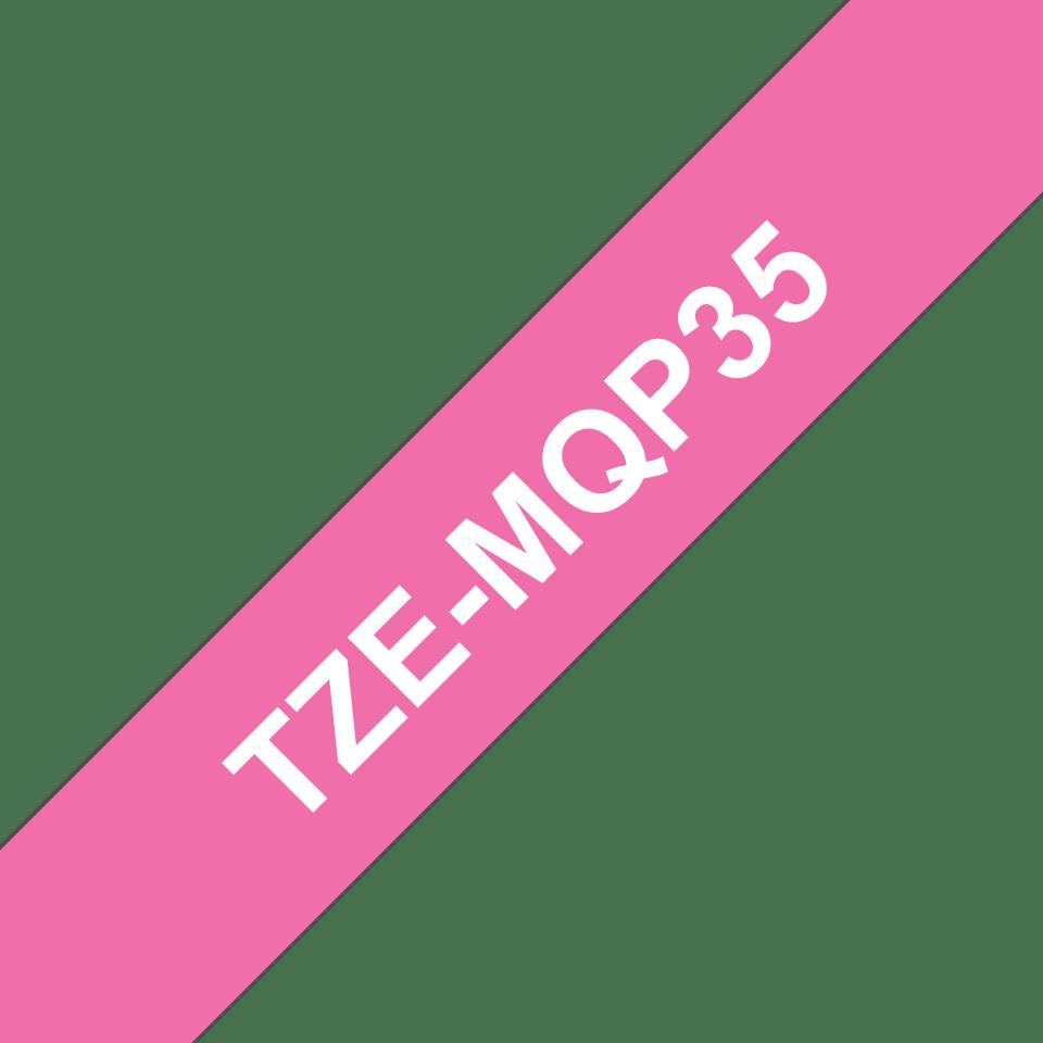 Originele Brother TZe-MQP35 tapecassette – wit op berry roze, breedte 12 mm