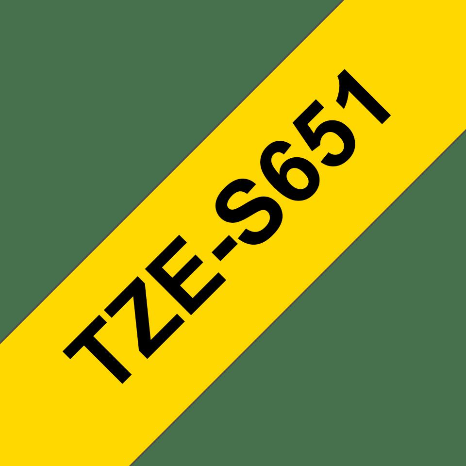 Originele Brother TZE-S651 sterk klevende label tapecassette - zwart op geel, breedte 24 mm